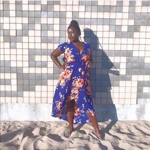 Dresses & Skirts - Beautiful Floral Maxi Dress NWOT